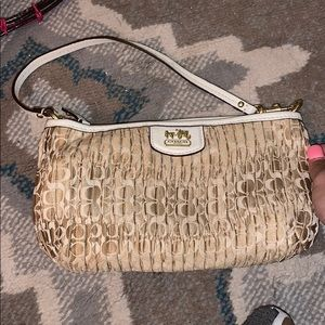 old style coach bag